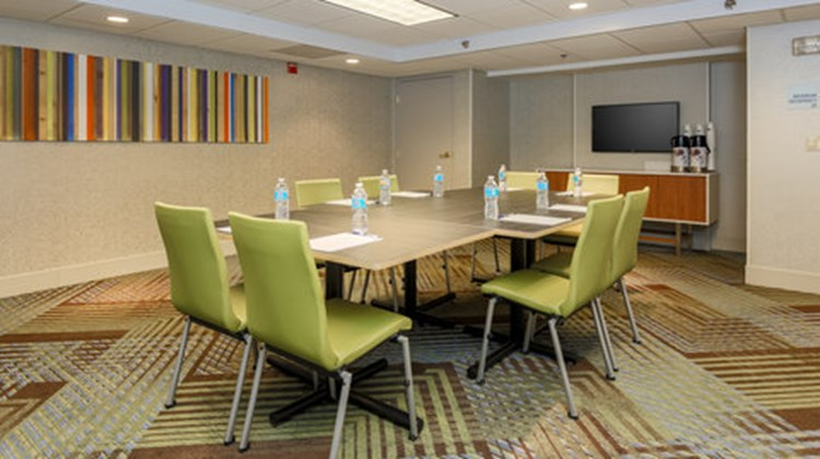 Holiday Inn Express Milwaukee by IHG Meeting