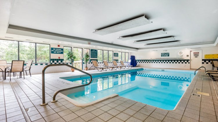 Comfort Inn & Suites Pool