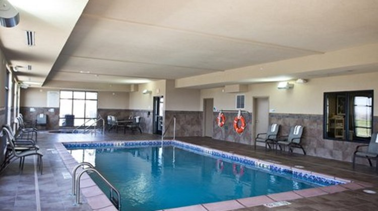 Holiday Inn Express and Suites Urbandale Pool