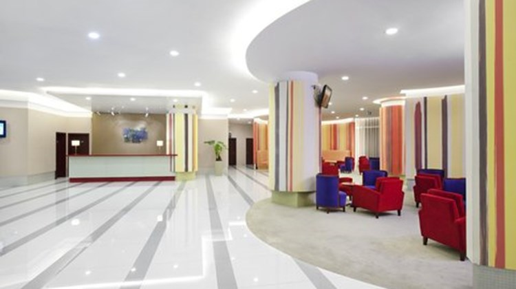 Holiday Inn Express Changshu Lobby