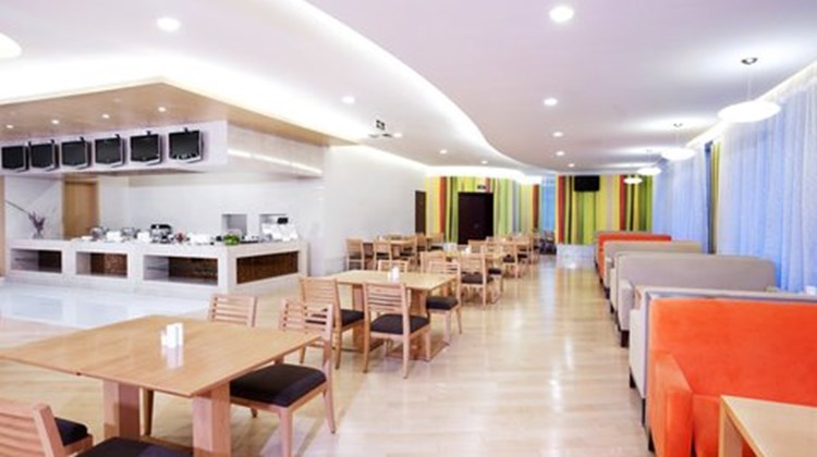 Holiday Inn Express Changshu Restaurant