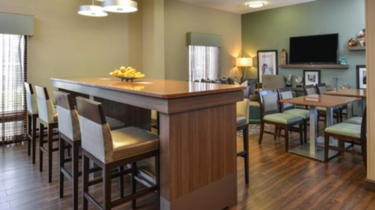 Hampton Inn closest to Universal Orlando Restaurant