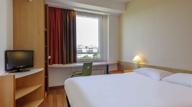 Ibis Berlin City Ost Room