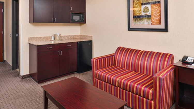 Holiday Inn Express Hotel & Suites North Room