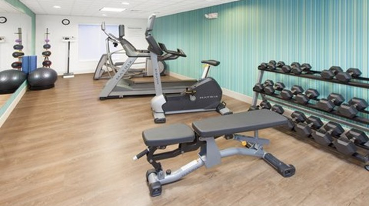 Holiday Inn Express & Suites Lake Zurich Health Club
