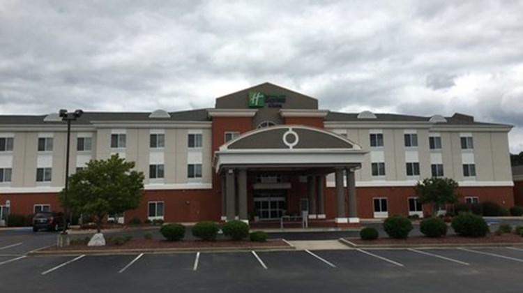 Holiday Inn Express & Suites Athens Exterior