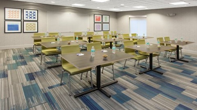 Holiday Inn Express & Suites Lake Zurich Meeting
