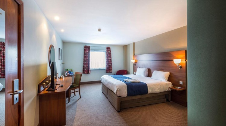 Doncaster International Hotel Room