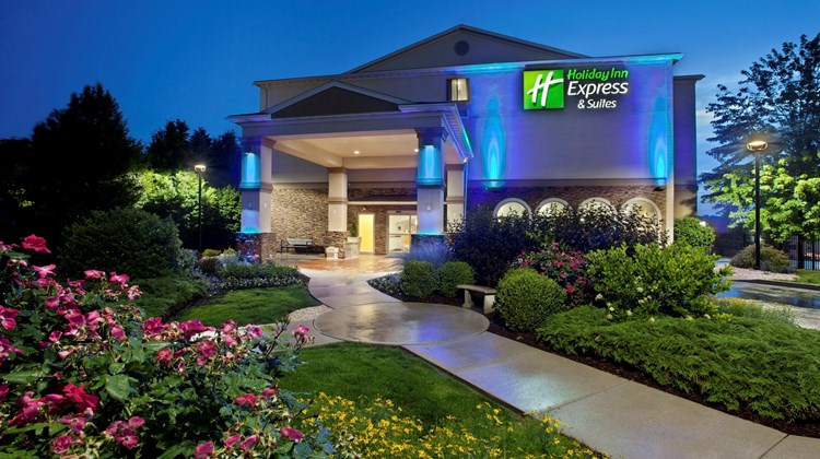 Holiday Inn Express & Sts Allentown West Exterior