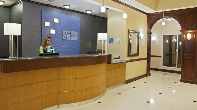 Holiday Inn Express & Sts Allentown West Lobby