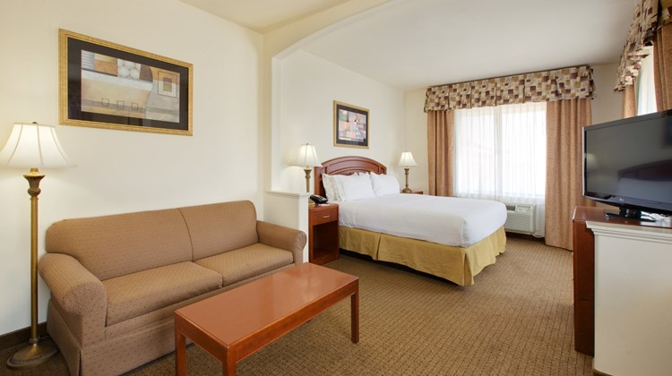 Holiday Inn Express/Suites Abilene Mall Suite
