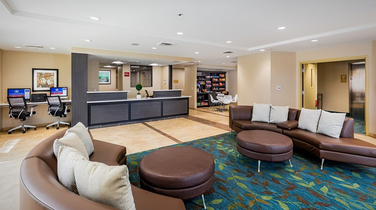 Candlewood Suites Anaheim-Resort Area Lobby