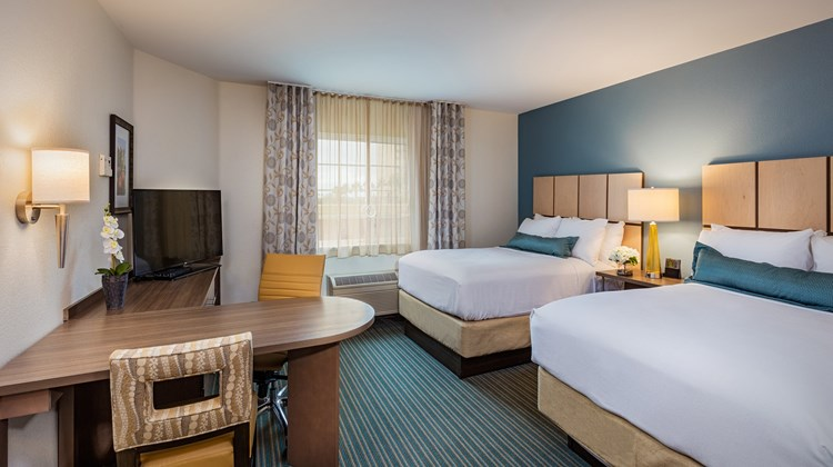 Candlewood Suites Anaheim-Resort Area Room