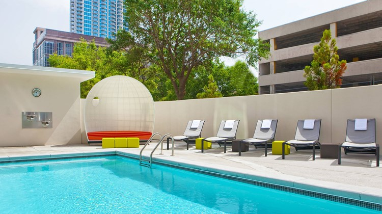 aloft Atlanta Downtown Recreation