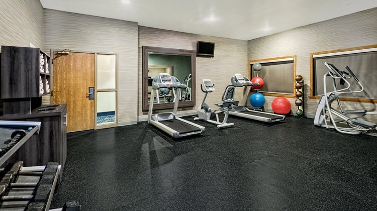 Holiday Inn Express Hotel & Suites SW Health Club