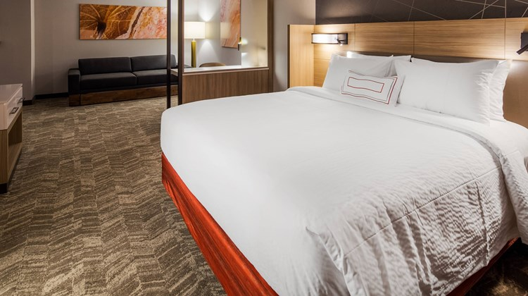 SpringHill Suites Chambersburg Suite