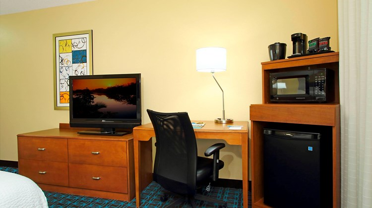 Fairfield Inn/Suites Colorado Springs So Room
