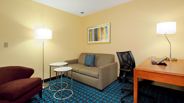 Fairfield Inn/Suites Colorado Springs So Suite