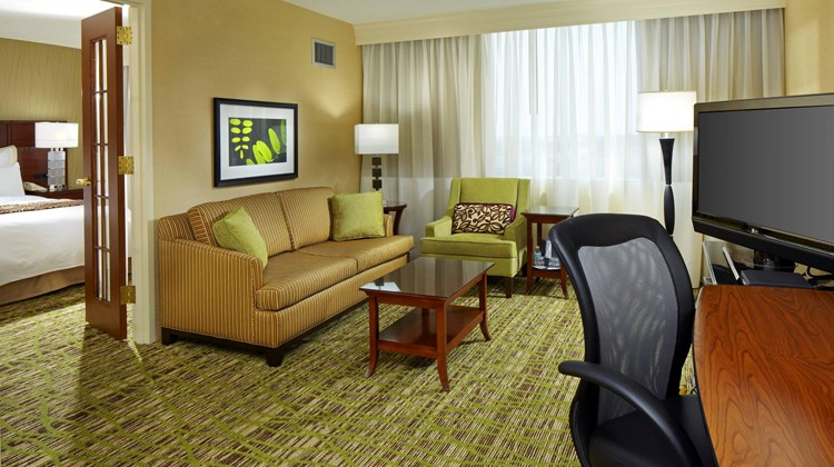 West Des Moines Marriott Suite
