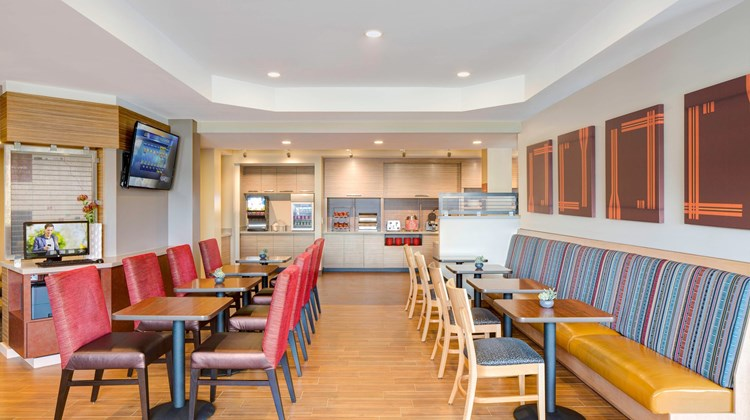 TownePlace Suites by Marriott  Bangor Restaurant