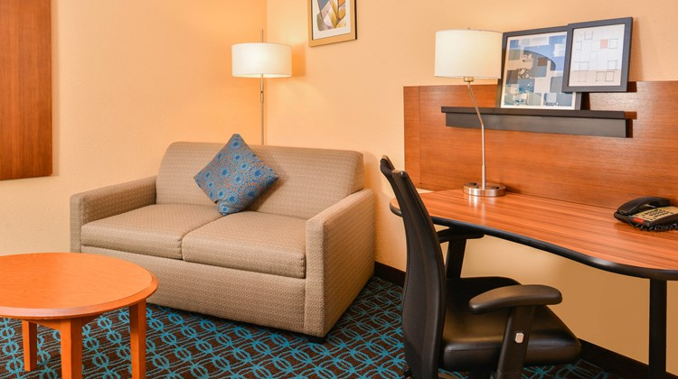 Fairfield Inn and Suites Beaumont Suite