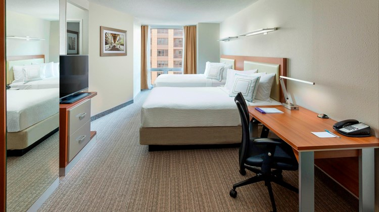 SpringHill Suites Downtown/River North Suite