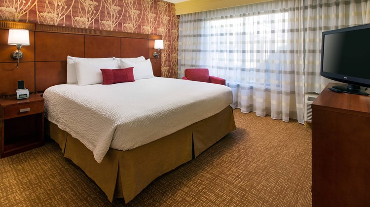 Courtyard by Marriott San Jose Cupertino Suite