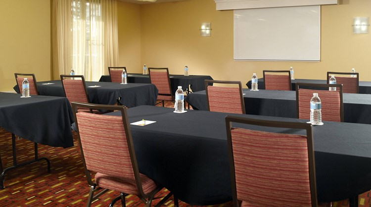 Courtyard by Marriott Augusta Meeting
