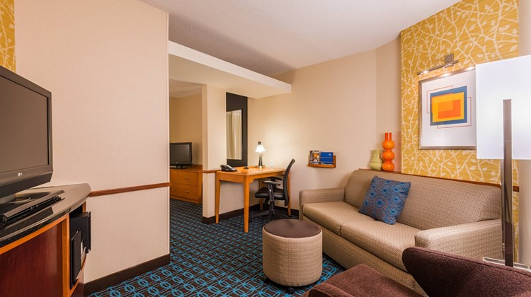 Fairfield Inn & Suites Buffalo Airport Suite