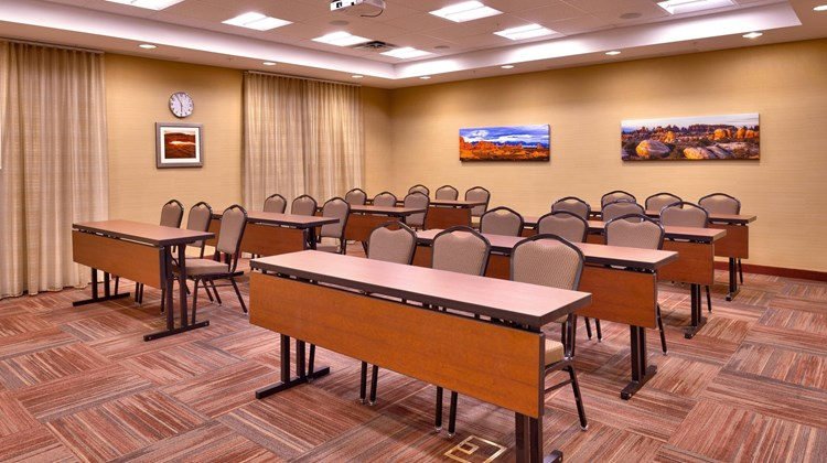 Fairfield Inn & Suites Moab Meeting