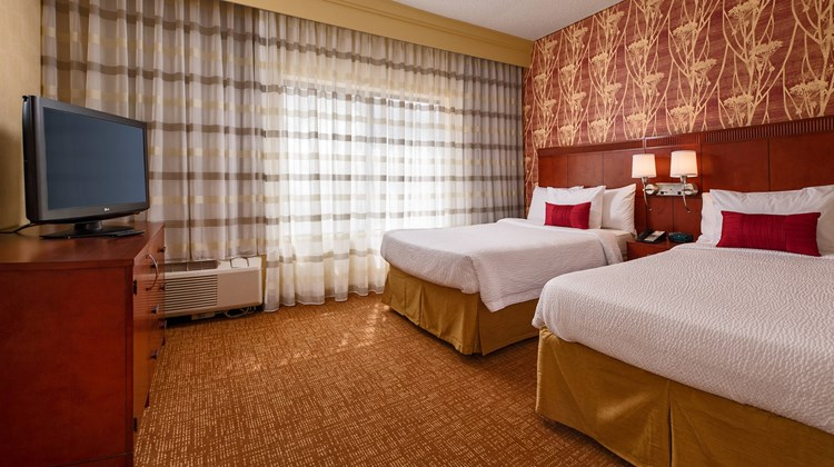 Courtyard Baltimore Hunt Valley Suite