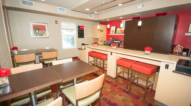 TownePlace Suites Columbus Airport Restaurant