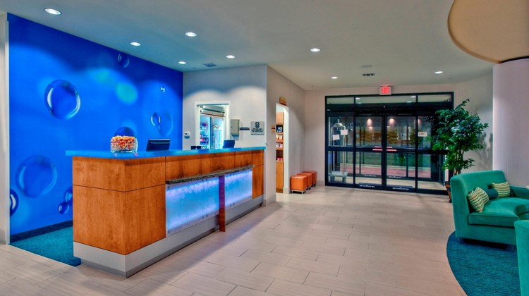 SpringHill Suites Baton Rouge North/Arpt Lobby