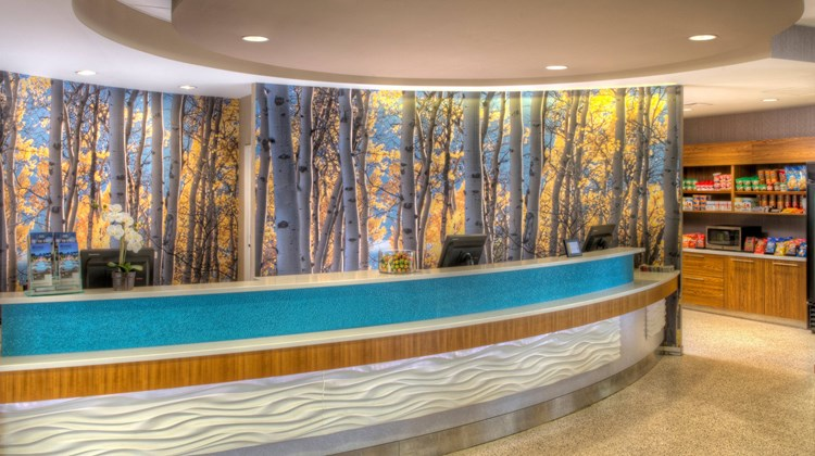 SpringHill Suites University Lake Lobby