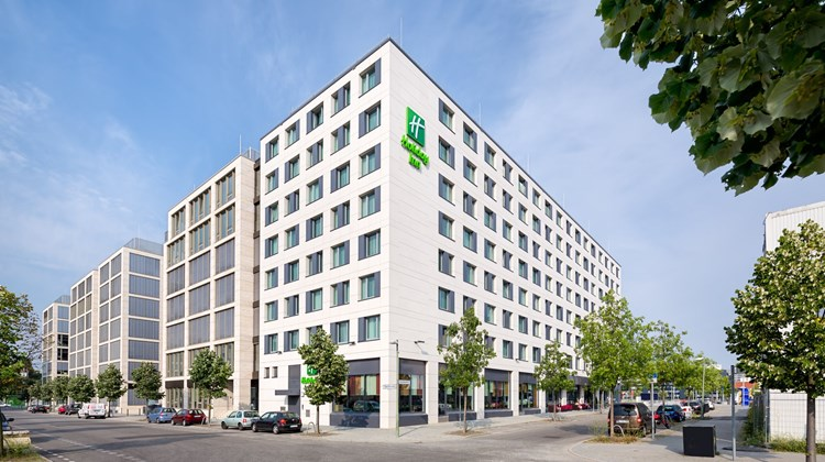 Holiday Inn Berlin - City East Side Exterior