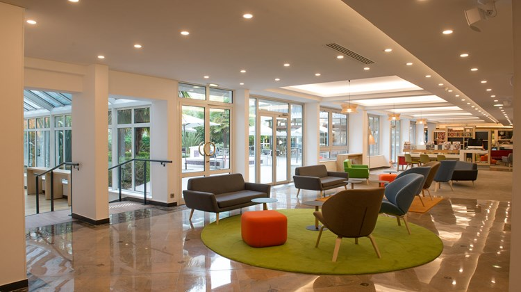Holiday Inn Paris Versailles Bougival Lobby