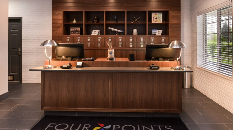 Four Points by Sheraton Mt Prospect Lobby
