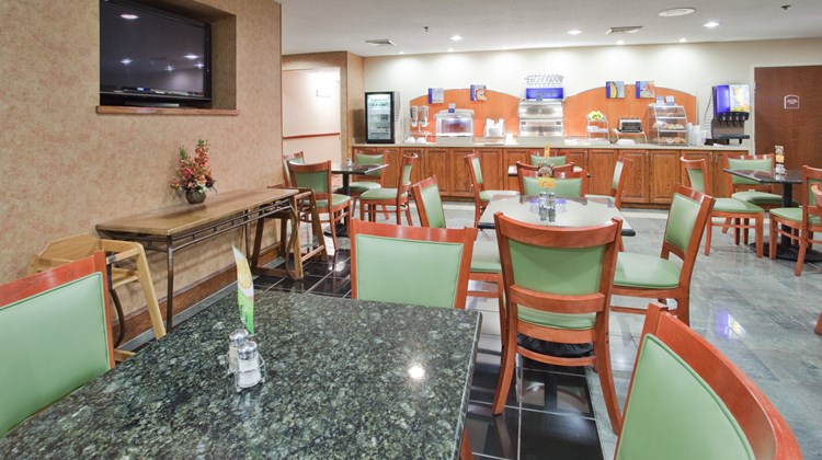 Holiday Inn Express Hotel & Suites Restaurant