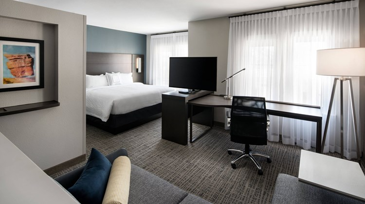 Residence Inn Philadelphia Willow Grove Suite