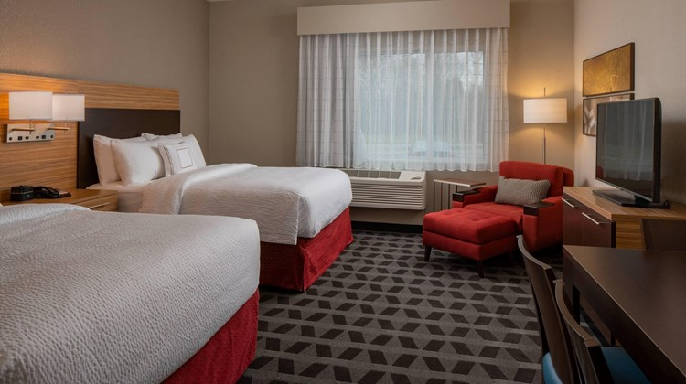 TownePlace Stes by Marriott Clarksville Suite