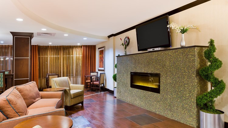 Holiday Inn Express Suites Alpine Lobby