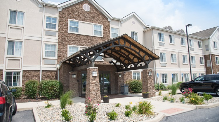 Staybridge Suites Fort Wayne Exterior