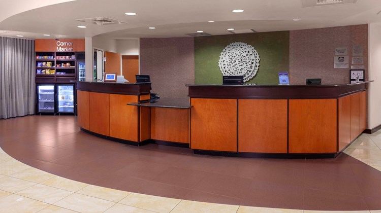 Fairfield Inn & Suites Charlotte Matthew Lobby