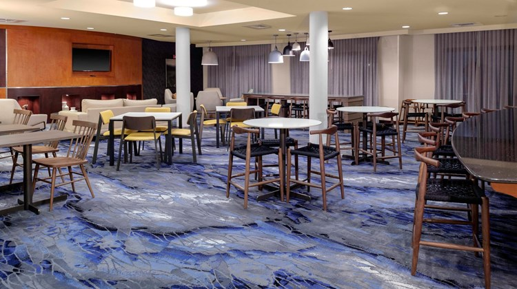 Fairfield Inn & Suites Charlotte Matthew Restaurant