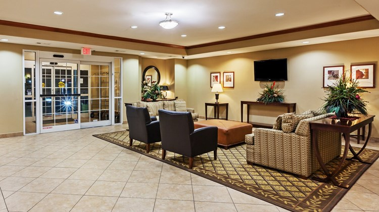 Candlewood Suites Baytown Lobby